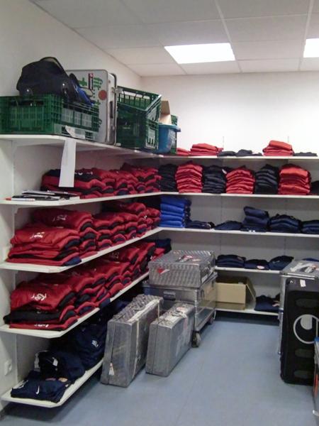 Wear shelf_b0130625_13501214.jpg