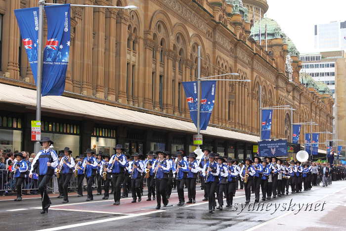 ANZAC DAY 2010 -2-_f0084337_19401293.jpg