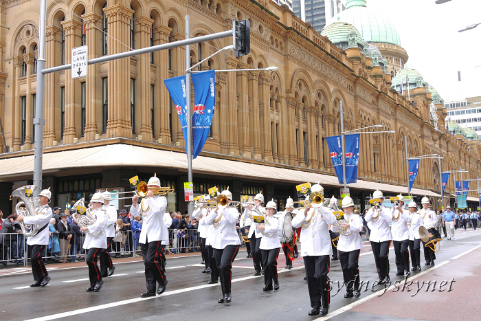 ANZAC DAY 2010 -2-_f0084337_19482633.jpg