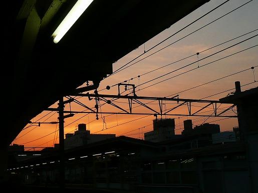 駅の夕焼け_c0087349_9181978.jpg
