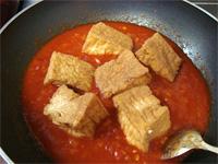 【レシピ】肉詰め厚揚げのトマト煮込み _f0232060_1693976.jpg