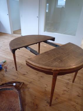 テーブルとランプ_d0074981_1734176.jpg