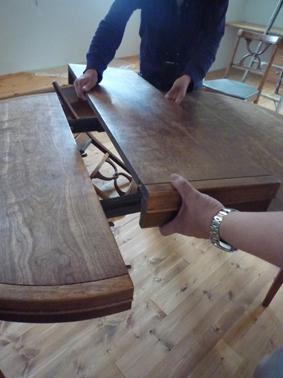 テーブルとランプ_d0074981_1735791.jpg