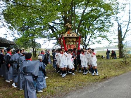 お祭り男_f0163105_22594048.jpg