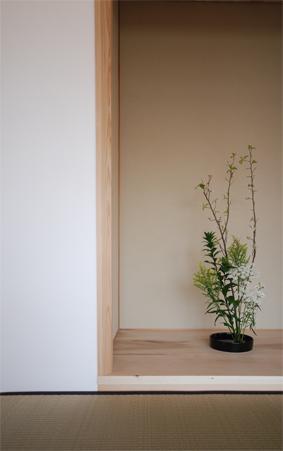 「循環の家」の床の間_c0195909_9333379.jpg