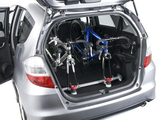 自転車の 自転車 車載 方法 車内 : 自転車を車に積むアイデア ...