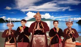 インドネシアのハルマヘラでジャイロロ湾フェスティバル・FESTIVAL TELUK JAILOLO 2010_a0054926_745613.jpg