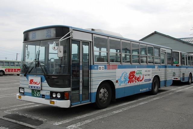 富山地鉄バス_a0164734_23405632.jpg