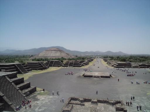 太陽と月の神殿。_f0143188_11511830.jpg