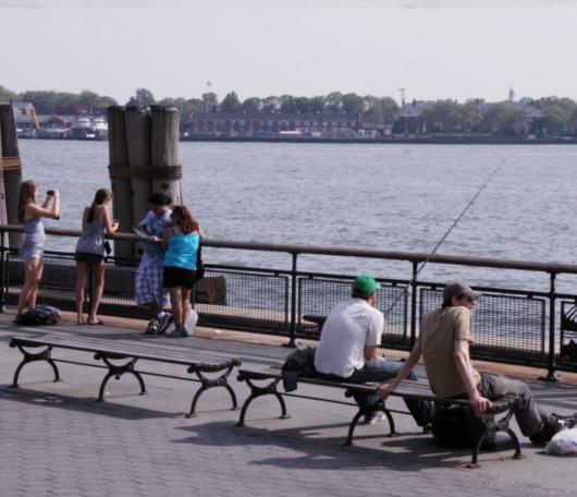 夏日のNYでは公園がお勧めです バッテリーパークより_b0007805_23301281.jpg