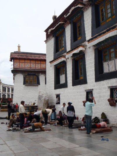Lhasaの街歩き_e0182138_18132560.jpg