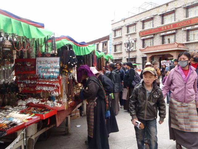Lhasaの街歩き_e0182138_18143532.jpg