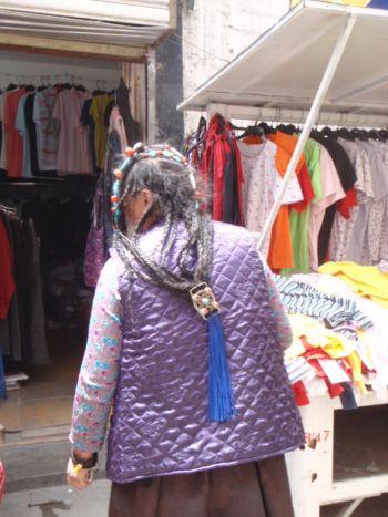 Lhasaの街歩き_e0182138_1825212.jpg