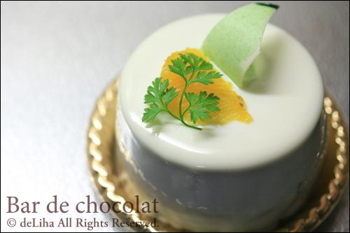 『バードゥショコラ』お茶とフルーツのケーキ【テ・ヴェール】_c0131054_1732550.jpg