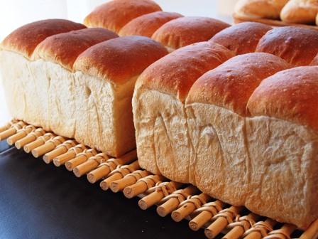たまには食パン!_e0167593_0385649.jpg