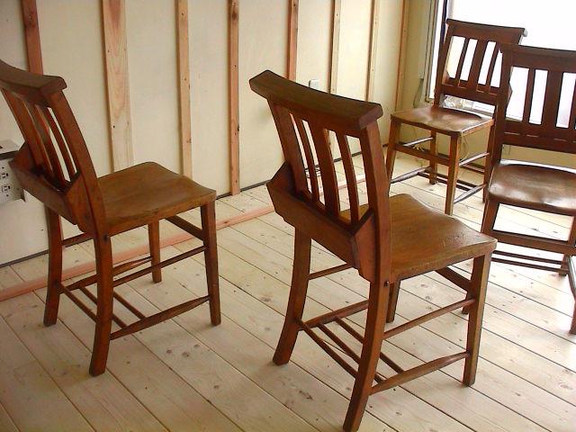 古い椅子。_e0060555_19521988.jpg