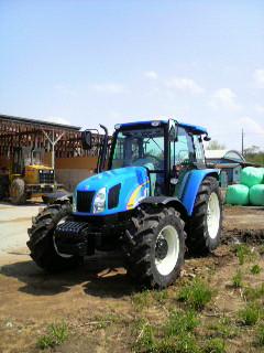 新しいトラクター_e0063268_1517401.jpg