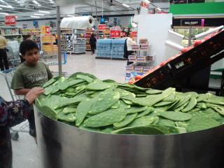 メキシコのスーパーの画像_f0143188_20103856.jpg