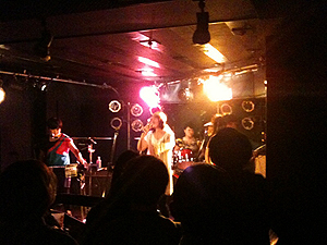 The Suzan\'s gig in Shimokitazawa_d0156406_0124790.jpg