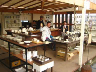 陶器市ロードVSお祭りロード_a0065954_0181233.jpg