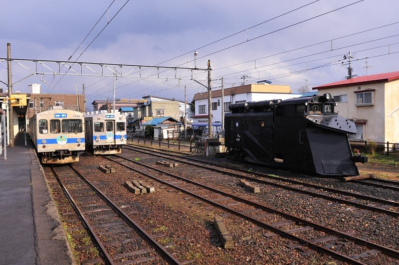 弘南鉄道 黒石駅_f0050534_23194317.jpg