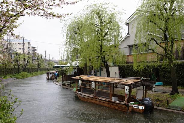 京都 雨の伏見十石舟_f0021869_1935411.jpg