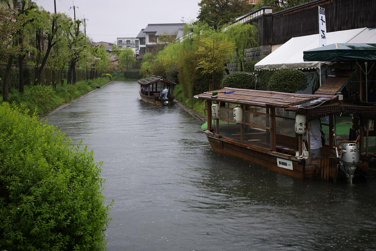 京都 雨の伏見十石舟_f0021869_1938659.jpg