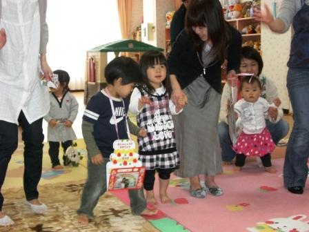 2010.04.27  4月のお誕生会_f0142009_11235239.jpg