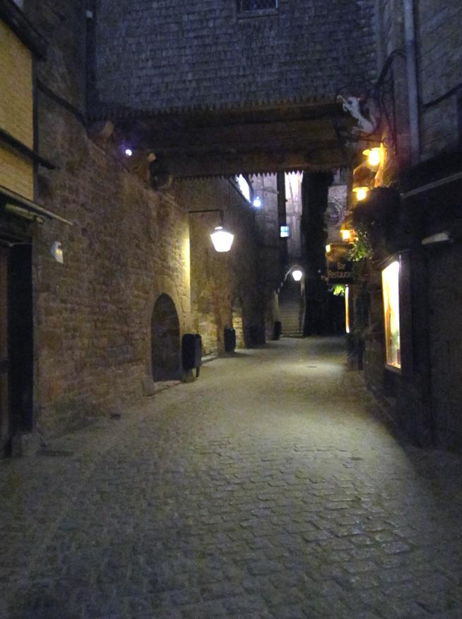 フランスへGO♪♪^^♪♪ 〜夜のモンサンミッシェル♡〜_f0119369_16284060.jpg
