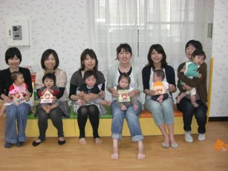 2010.05.07  子どもの日・母の日 お楽しみ会_f0142009_1326173.jpg