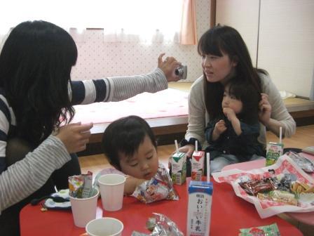 2010.05.07  子どもの日・母の日 お楽しみ会_f0142009_1330845.jpg