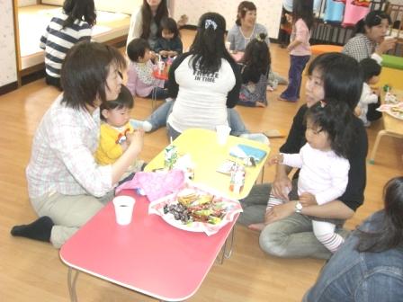 2010.05.07  子どもの日・母の日 お楽しみ会_f0142009_13451178.jpg