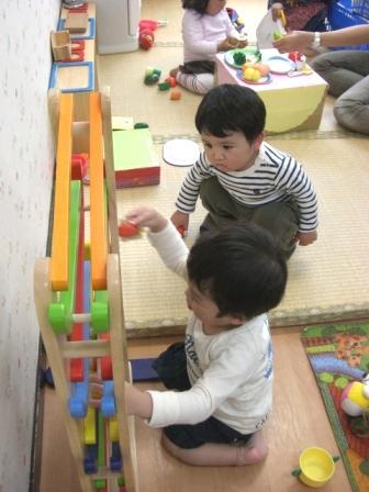 2010.05.07  子どもの日・母の日 お楽しみ会_f0142009_13495746.jpg