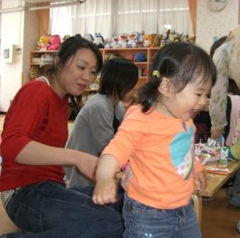 2010.05.07  子どもの日・母の日 お楽しみ会_f0142009_1512385.jpg