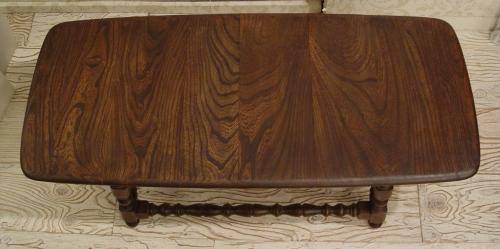 木目が素敵なセンターテーブル入荷しました!_a0096367_2031468.jpg