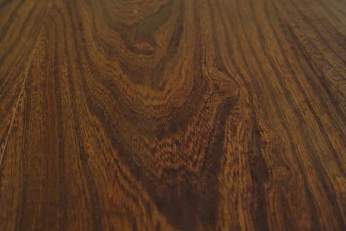 木目が素敵なセンターテーブル入荷しました!_a0096367_2032256.jpg
