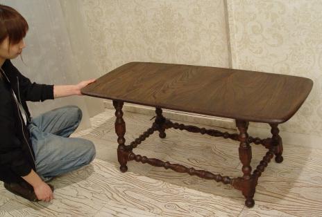 木目が素敵なセンターテーブル入荷しました!_a0096367_2033143.jpg