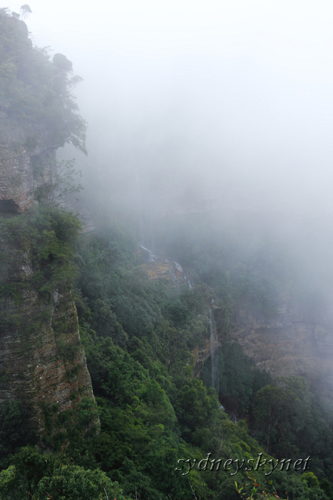 Katoomba Falls in the Fog of BlueMountain_f0084337_193808.jpg