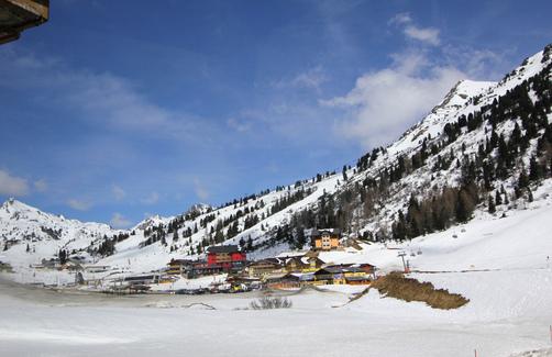 10オーストリア・スイスのパッシブハウス・木造多層階研修24_e0054299_1314398.jpg