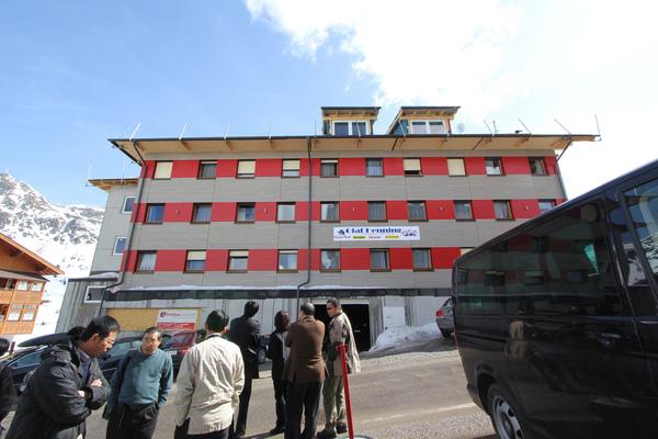 10オーストリア・スイスのパッシブハウス・木造多層階研修25_e0054299_149378.jpg