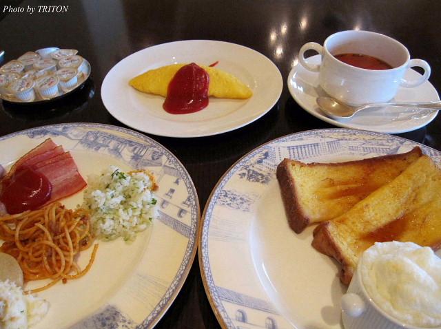 ベルデマールでbreakfast(ホテル日航アリビラ)_c0179025_1153333.jpg