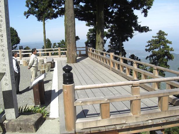 野呂山の弘法寺に清水の舞台があるってホント (⌒ο⌒)¶_e0175370_18274755.jpg
