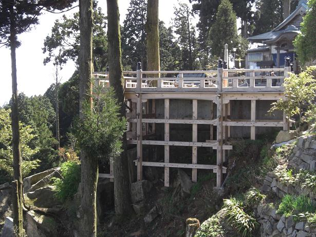 野呂山の弘法寺に清水の舞台があるってホント (⌒ο⌒)¶_e0175370_18311969.jpg