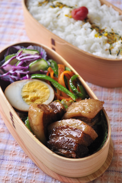 豚バラ肉の黒酢煮のお弁当_b0171098_84895.jpg