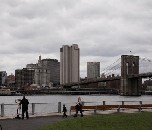 イーストリバー沿いに新しい公園がオープン! Brooklyn Bridge Park Pier1_b0007805_21302254.jpg