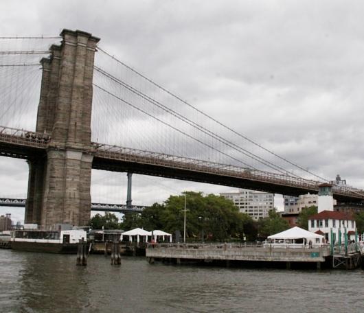 イーストリバー沿いに新しい公園がオープン! Brooklyn Bridge Park Pier1_b0007805_21371697.jpg