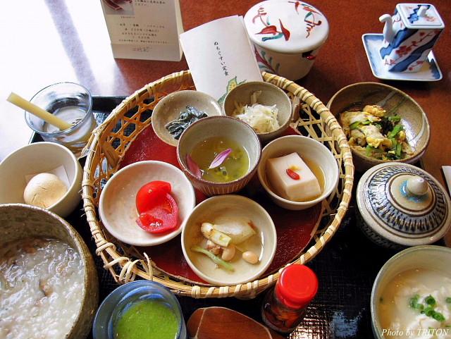 佐和で身体に優しい朝食を…(ホテル日航アリビラ)_c0179025_12532638.jpg