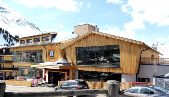 10オーストリア・スイスのパッシブハウス・木造多層階研修27_e0054299_13543965.jpg