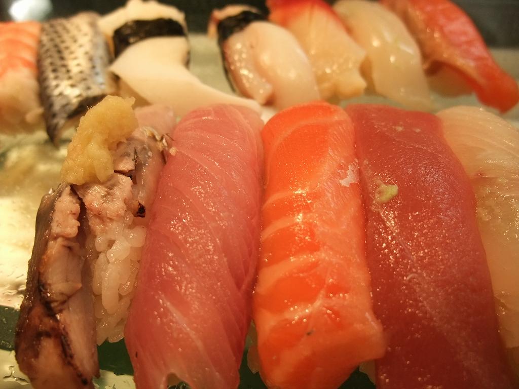 お昼はお寿司_f0050534_19502293.jpg
