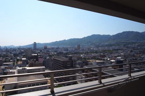 喧噪を避け、港町神戸_a0006744_2252211.jpg